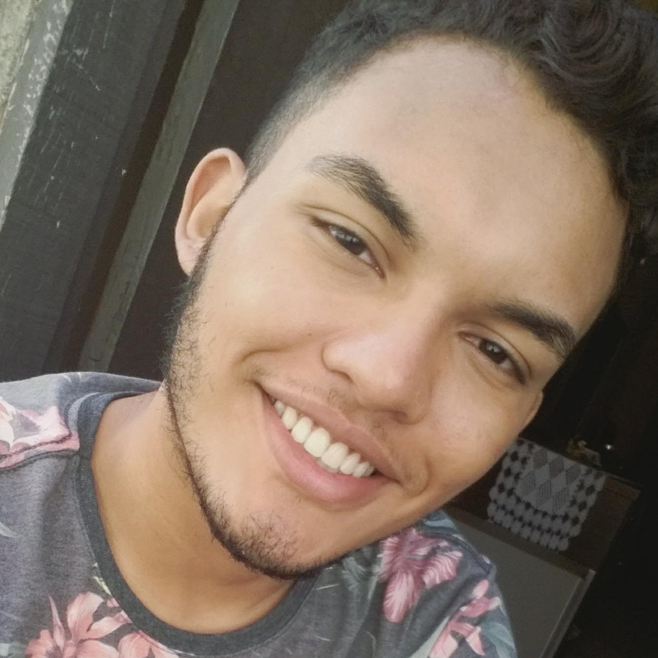 People looking for Ignacio Orellana also looked at Adriano Gomes