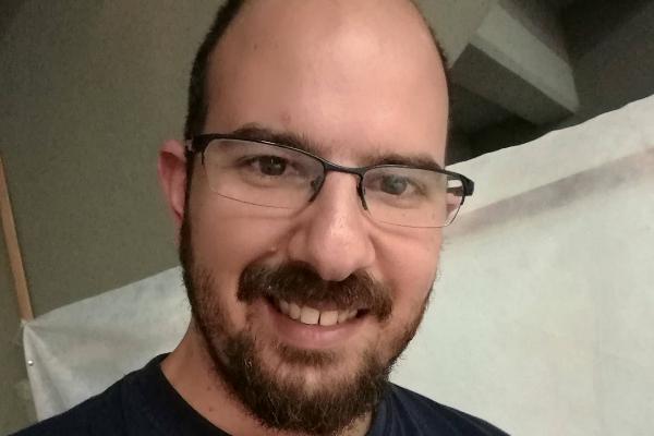 hire Andrés Parra de Romaña